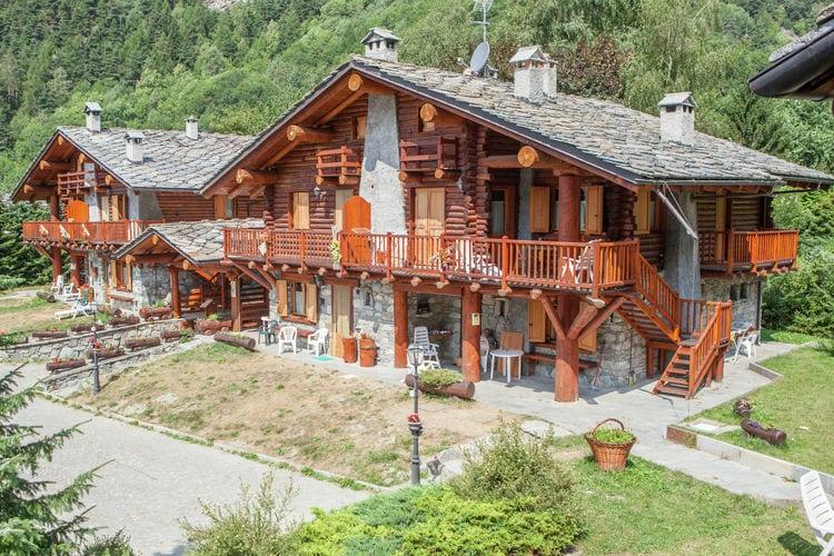 Vakantiehuizen Italie | Val-daosta | Appartement te huur in Antey-st-Andre    5 personen