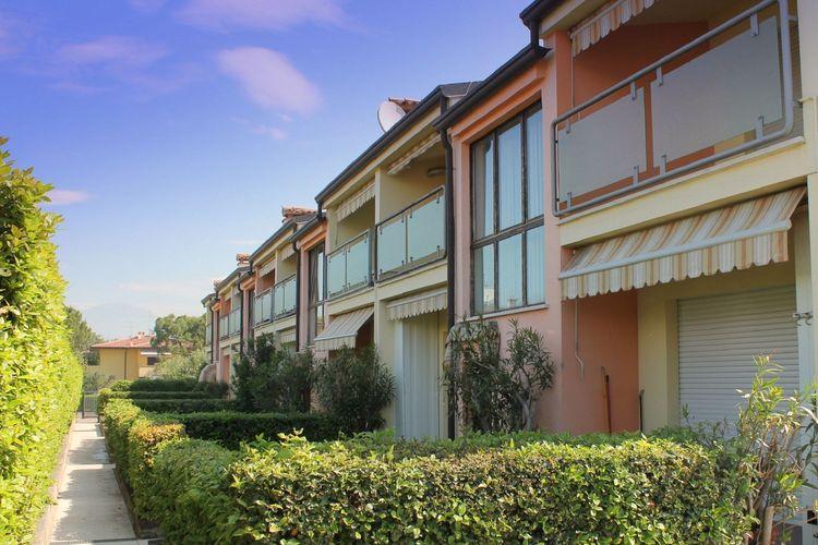 Lazise Vakantiewoningen te huur Volledig gemeubileerd drie-kamer appartementen voor 6 personen in Lazise