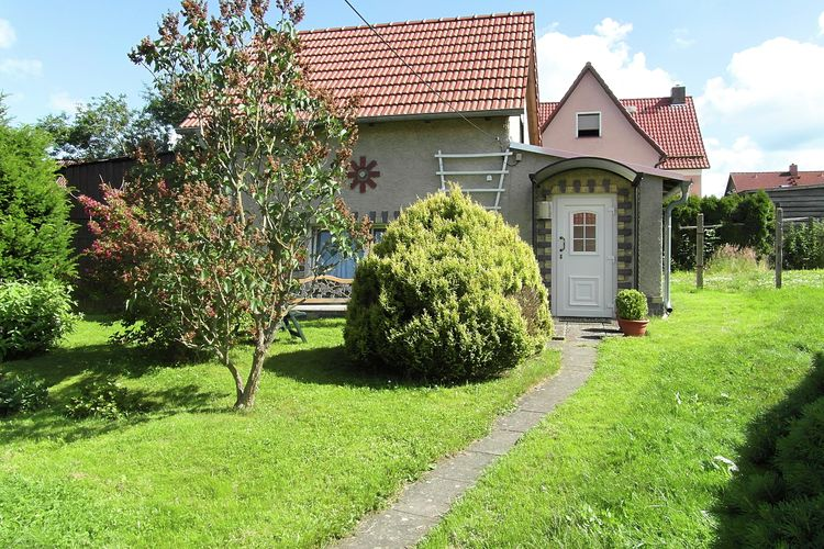 Vakantiewoning    Güntersberge  Vrijstaande en gezellig vakantiehuis met een tuin in de Harzgebied.