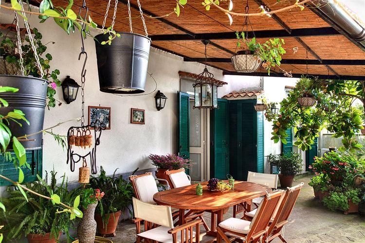 Mooi appartement op een panoramische locatie met veel gezellig tuinhoekjes