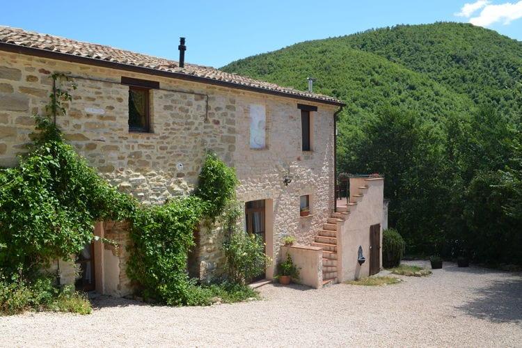 Vakantiehuizen Italie | Marche | Vakantiehuis te huur in Pergola   met wifi 6 personen