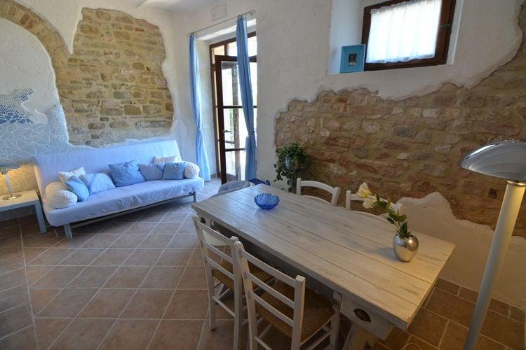 Vakantiehuizen Italie | Marche | Vakantiehuis te huur in Pergola   met wifi 4 personen