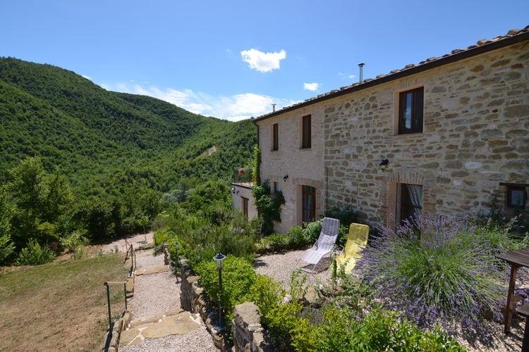 Vakantiewoning huren in Pergola -   met wifi  voor 2 personen  Midden in Italië, in het prachtig..