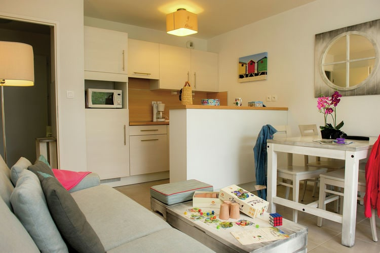 Ref: FR-29950-11 3 Bedrooms Price