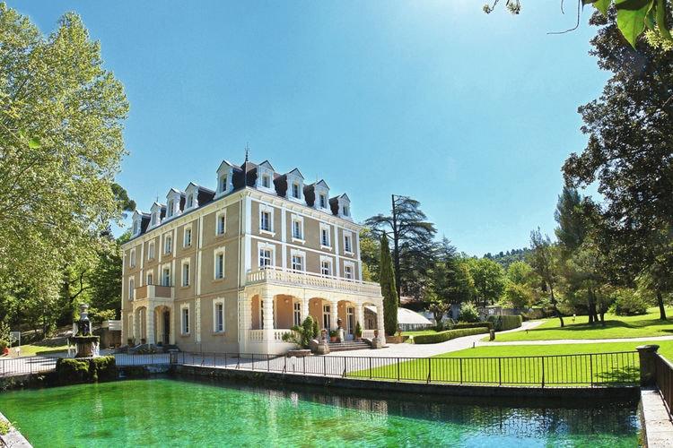 Greoux-Les-Bains Vakantiewoningen te huur Net appartement op park met zwembad en wellness nabij centrum Gréoux-Les-Bains