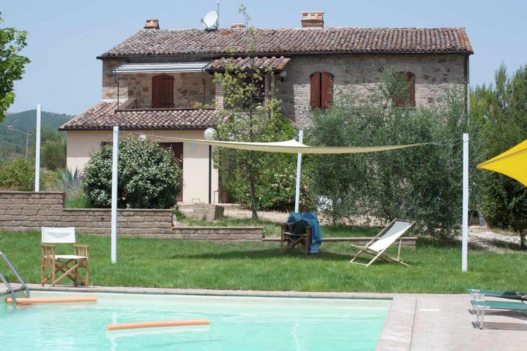 Villa met privézwembad met grote tuin, adembenemend uitzicht veel privacy