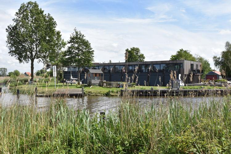 Friesland Appartementen te huur Knus appartement direct aan de Friese Meren , nabij Sneek, Heeg & Sloten