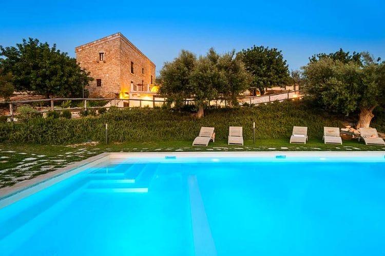 Vakantiehuis met zwembad met wifi  SiciliaCorte Dorata