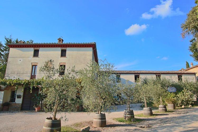 Ruim appartement gelegen op een landgoed met zwembad tussen Umbrië en Toscane