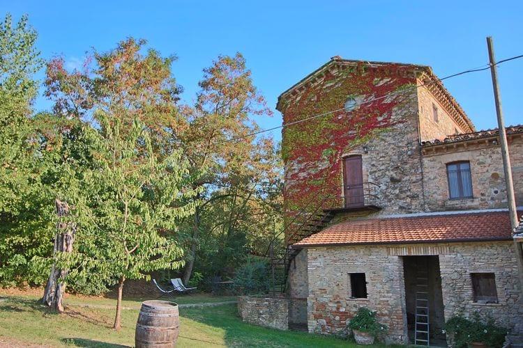 Mooi ruim appartement gelegen op een landgoed tussen Umbrië en Toscane