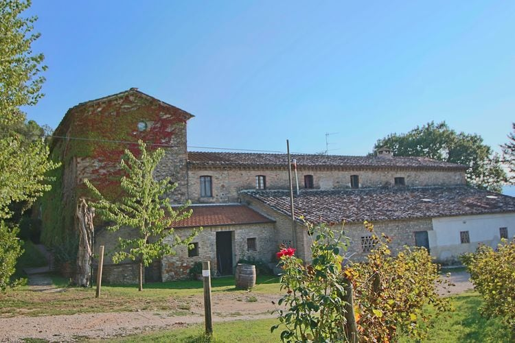 Groot appartement gelegen op een landgoed met zwembad tussen Umbrië en Toscane