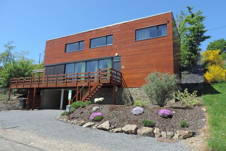 Vakantiewoning  met wifi  Coo  Mooi modern huis met sauna, bubbelbaden en zelfs een strand aan de rivier!