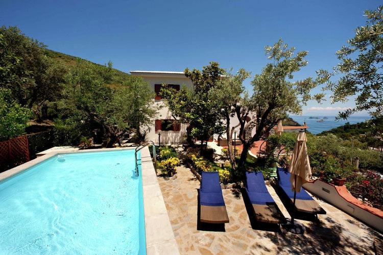 Campania Vakantiewoningen te huur Villa met zwembad en een fantastisch uitzicht op zee in de mooi kust van Amalfi