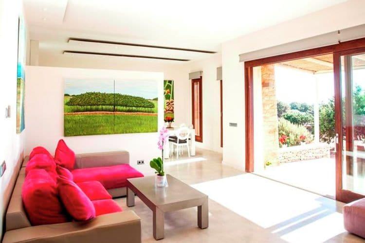 Ref: ES-00835-01 4 Bedrooms Price