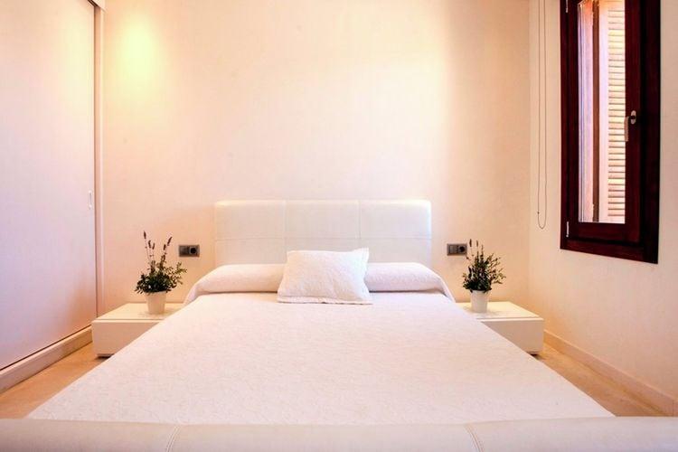 Ref: ES-00837-01 4 Bedrooms Price