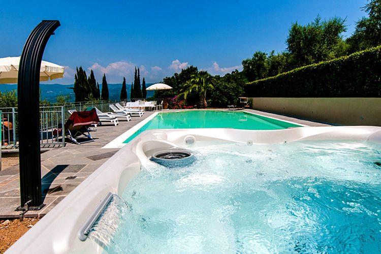 Vakantiehuis met zwembad met wifi  ToscanaVilla Casale Vaticano