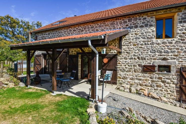 Auvergne Vakantiewoningen te huur Knusse, met veel zorg gerenoveerde vakantiewoning in schitterende omgeving!