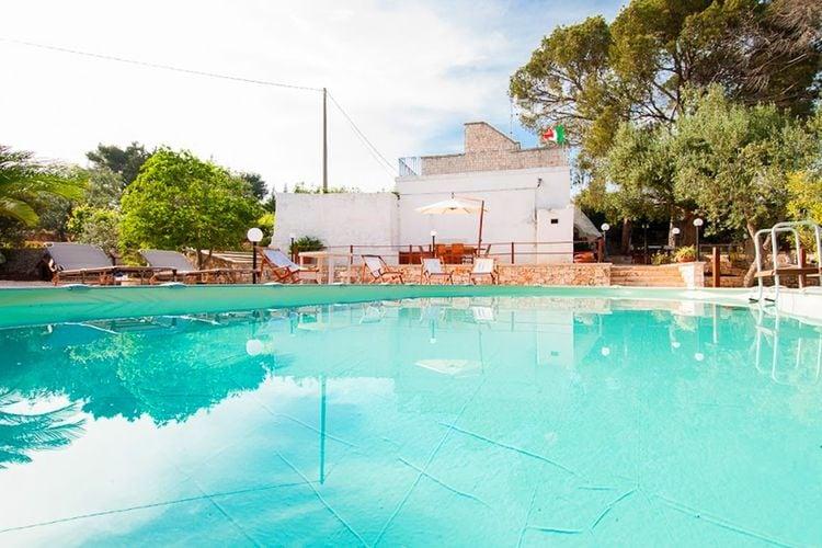 Villa met zwembad met wifi  Monopoli  Villa met prive zwembad en tuin, uitgerust met vele voorzieningen