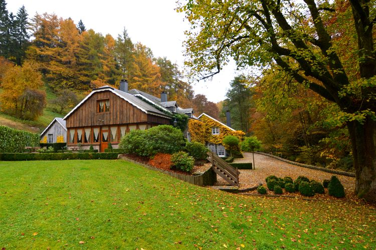 Namen Vakantiewoningen te huur Luxe, prachtig vakantiehuis met binnenzwembad en sauna voor familiale groepen