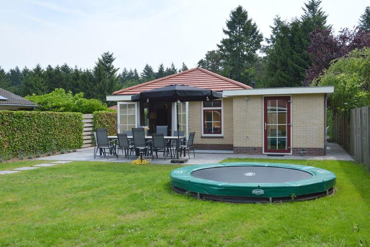 Putten Vakantiewoningen te huur Eigentijds ingericht vakantiehuis met sauna en hottub in de tuin op de Veluwe