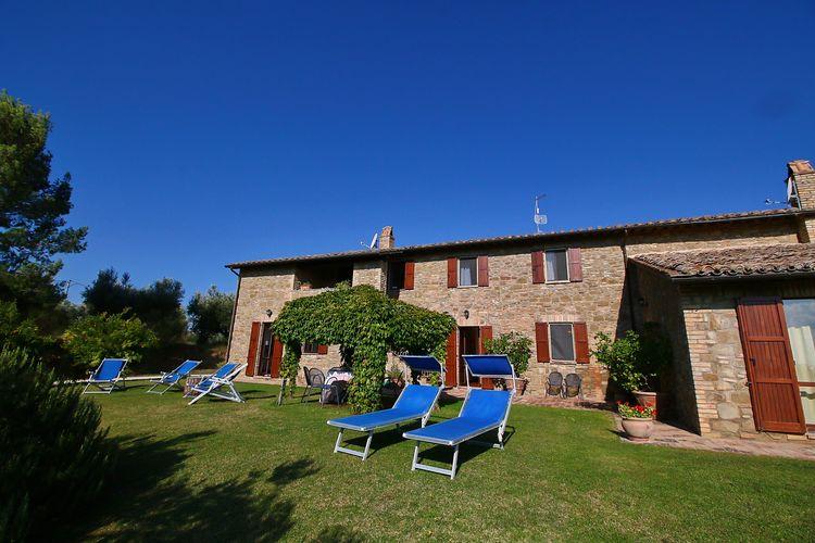 Mooie ruime vakantiewoning gelegen op een landgoed met zwembad nabij Perugia