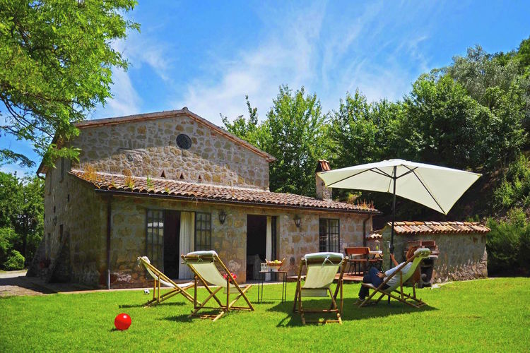 Villa met zwembad met wifi  Sermugnano  Rustiek huis met tuin en privé zwembad, mooie omgeving