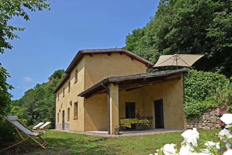 Villa huren in Umbrie - met zwembad  met wifi met zwembad voor 8 personen  Castagno is een vrijstaand rustiek..
