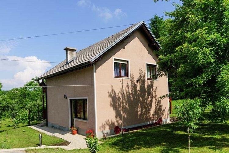 Vakantiewoning huren in Kvarner -   met wifi  voor 8 personen  Dit vrijstaande huis met prive tui..