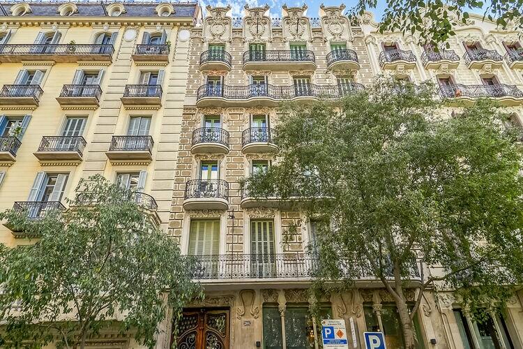 Spanje | Costa-de-Barcelona | Villa te huur in Barcelona   met wifi 7 personen