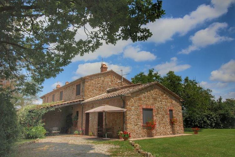 Proceno Vakantiewoningen te huur Agriturismo op een heuvel met zwembad, ruime tuin en mooi uitzicht