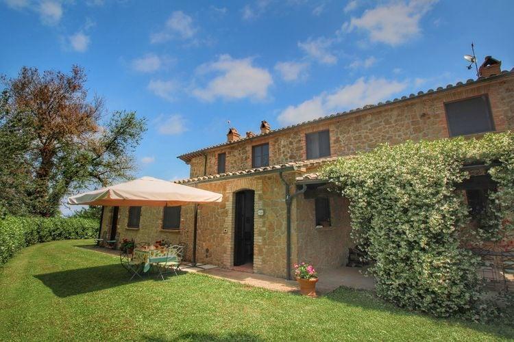 Proceno Vakantiewoningen te huur Vrijstaande villa op een heuvel met zwembad, ruime tuin en mooi uitzicht