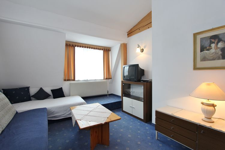 Apartment Grattschlössl 5 - St Johann in Tirol