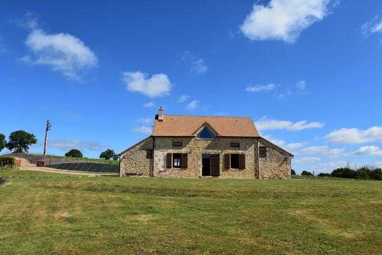 Bourgogne Vakantiewoningen te huur Sfeervol, vrijstaand huis met 360 graden weids uitzicht over heuvellandschap