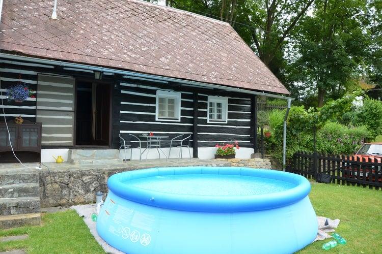 Všelibice Vakantiewoningen te huur Sfeervol vrijstaand chalet met zwembad in een fijne omsloten tuin, vrij uitzicht