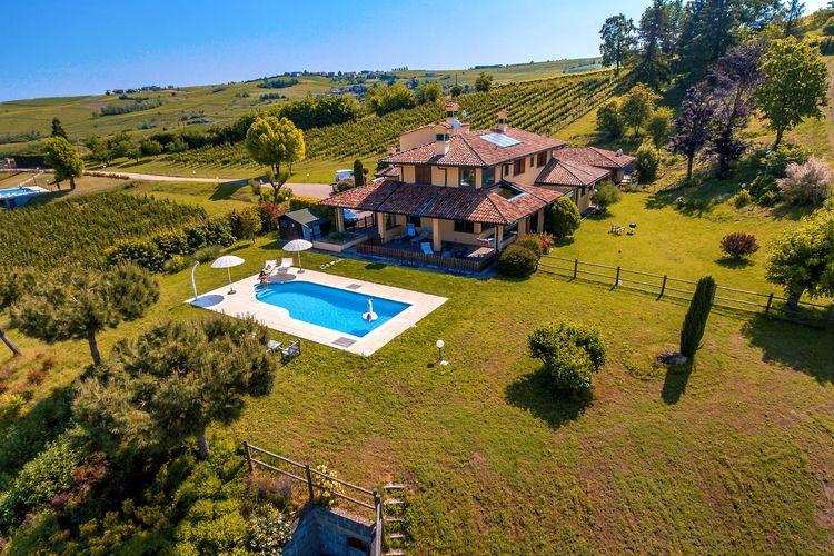 Italie | Italiaanse-Meren | Boerderij te huur in Santa-Maria-Della-Versa met zwembad  met wifi 4 personen
