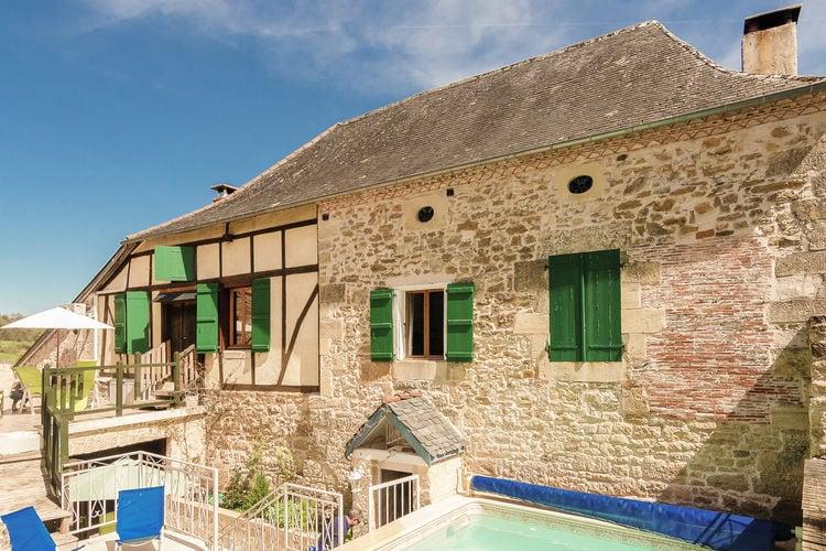 Vakantiewoning met zwembad met wifi  Coubjours  Gezellig en groot familiehuis met verwarmd zwembad, sauna, terassen en tuin.