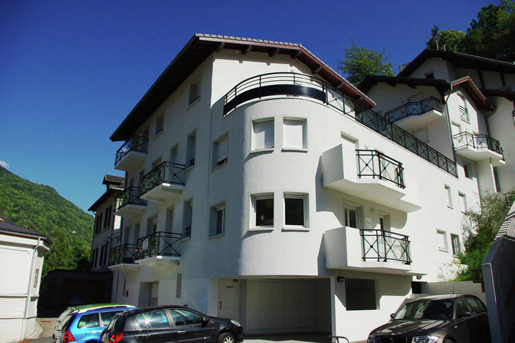 Appartement  met wifi  Brides-les-BainsRESIDENCE ALBA T3