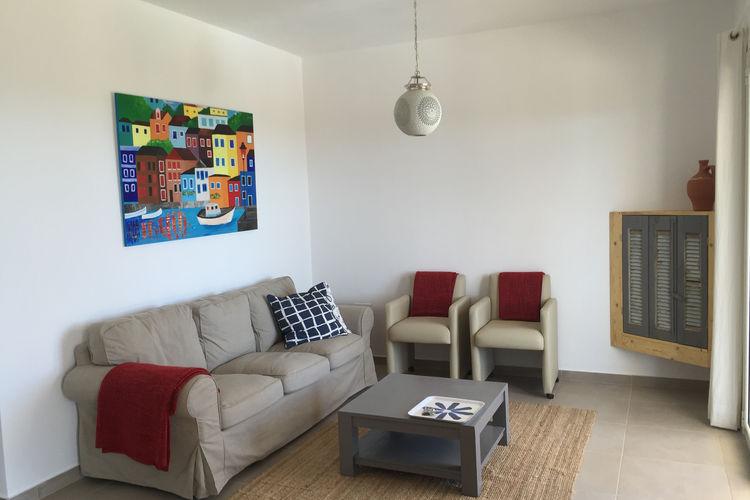 Ref: GR-24006-05 3 Bedrooms Price