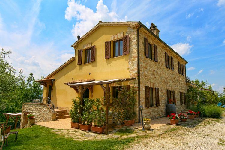 Vakantiehuis met zwembad met wifi  Montalto Delle Marche  Pescheto