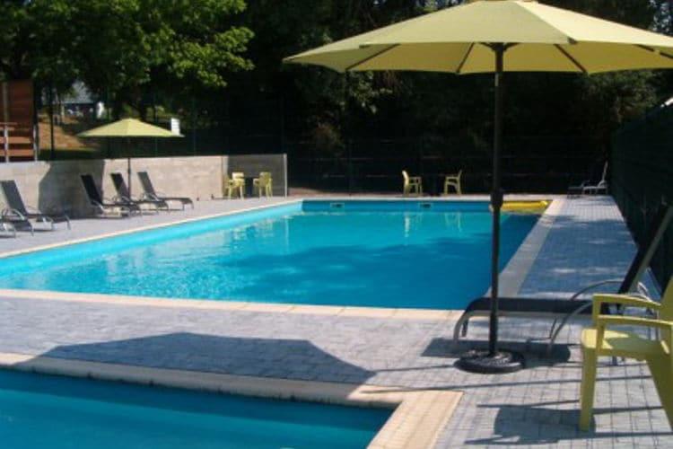 Halfvrijstaande bungalow met gemeenschappelijk zwembad. Kosten en Wifi inclusief