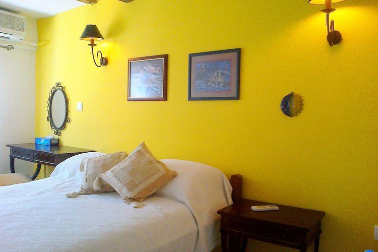 Ref: GR-21051-03 2 Bedrooms Price