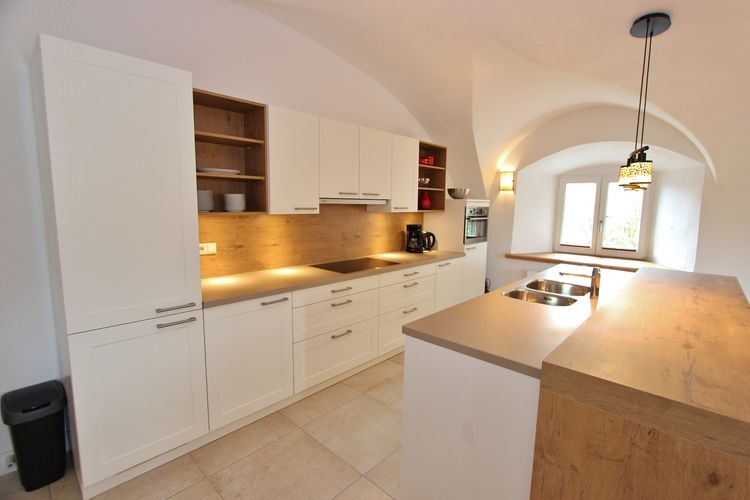 Ref: AT-5722-15 4 Bedrooms Price