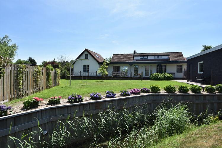 Oostvoorne Vakantiewoningen te huur Het huis heeft een gezellige zithoek met..