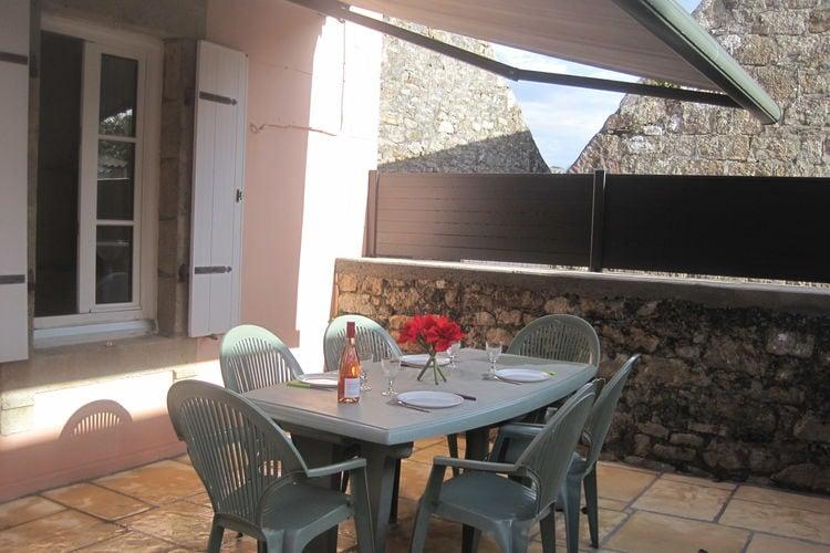Plouhinec Vakantiewoningen te huur Vakantiehuis met modern interieur en terras op het zuiden op slechts 200 meter van het strand