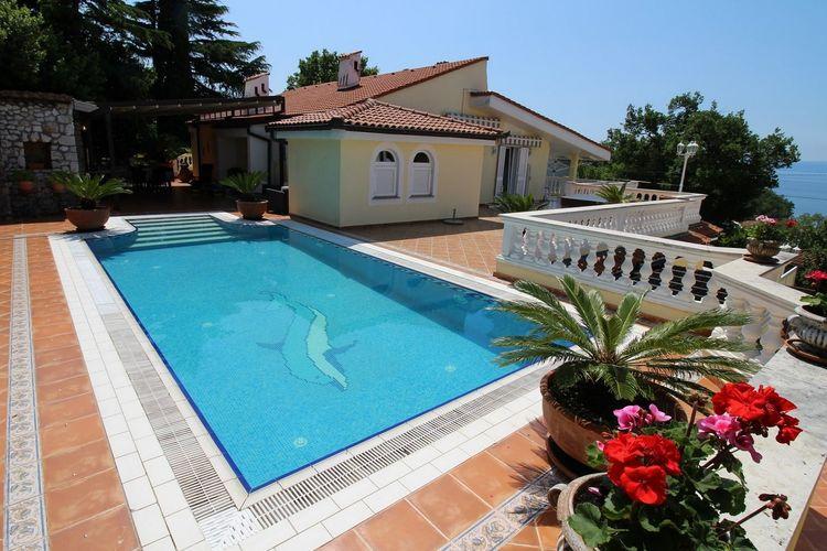Kroatie Villas te huur Charmant appartement met een gemeenschappelijk zwembad, privé  terras, mooie tuin, open keuken