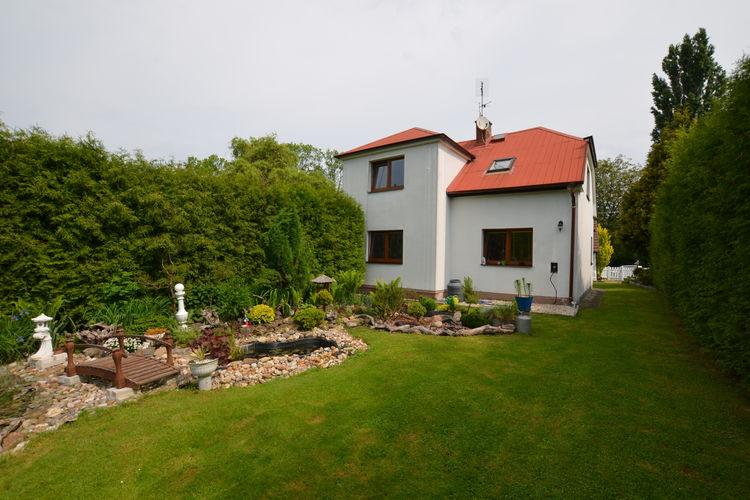 Tsjechie Vakantiewoningen te huur Vrijstaand huis met omheinde tuin en zwembad, barbecue onder overdekt terras