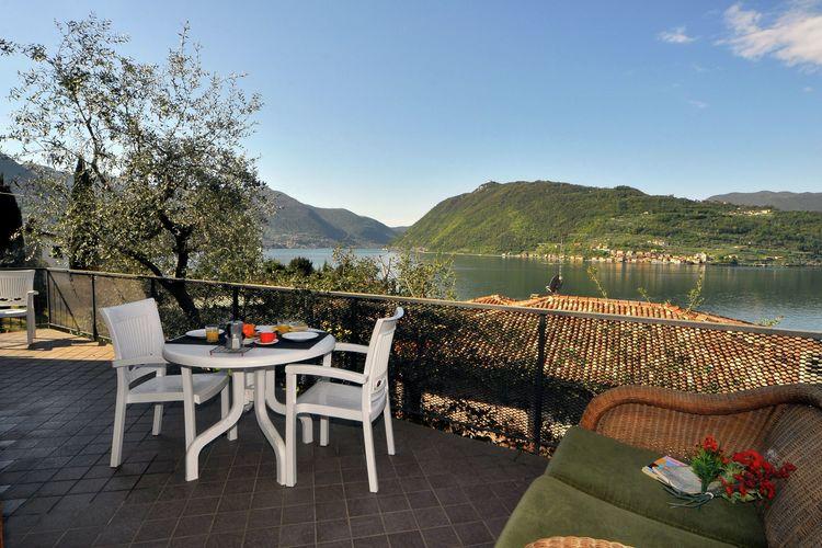 Villa huren in Sale-Marasino -   met wifi  voor 5 personen  Vrijstaande villa met functionele ..