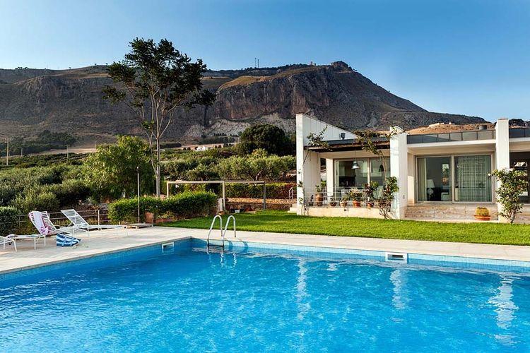 Erice Vakantiewoningen te huur Luxe villa met privé zwembad gelegen in de buurt van Trapani