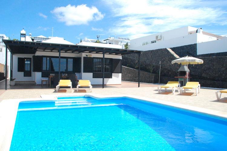 lnzt Vakantiewoningen te huur Vrijstaande villa met privé-zwembad in de badplaats Puerto del Carmen