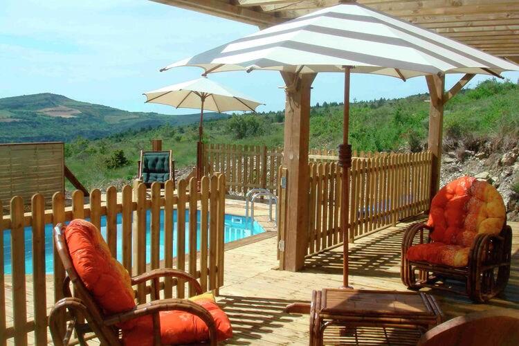 Moderne lodge met privézwembad op heuvel van wijndomein in Zuid-Frankrijk